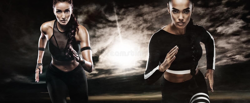 Ein starker athletischer, Frauensprinter, laufendes Tragen im Freien in der Sportkleidungs-, Eignungs- und Sportmotivation läufer stockfoto