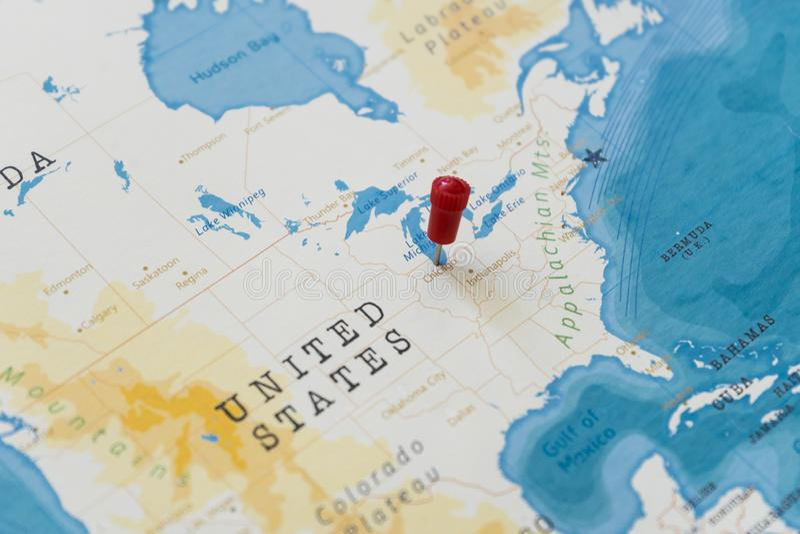 Ein Stift von Chicago, Vereinigte Staaten in der Weltkarte lizenzfreie stockbilder