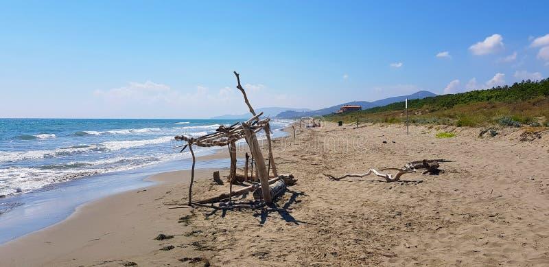 Ein Strand in Castiglione-della Pescaia, Toskana, Italien lizenzfreie stockfotos