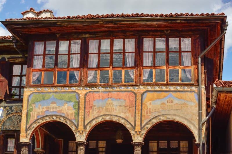 Ein traditionelles altes Haus in Koprivshtitsa Bulgarien, von der Zeit lizenzfreies stockfoto