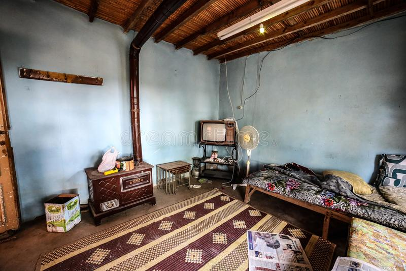 Ein unbenutztes Dorfhaus lizenzfreie stockfotos