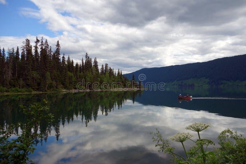 Ein unglaublich schöner Campingplatz am mezidian See, brisith Kolumbien lizenzfreie stockbilder