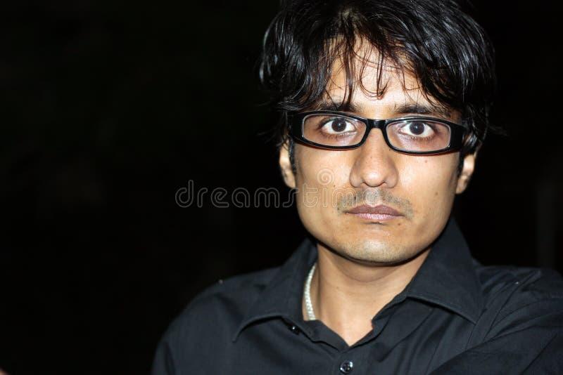 Ein verärgerter indischer Mann lizenzfreie stockbilder