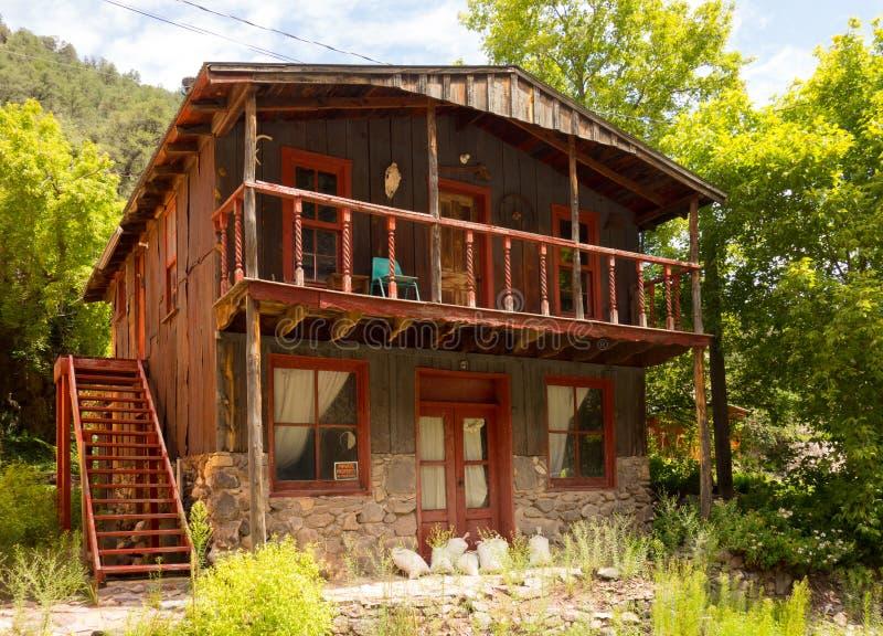 Ein verlassenes Haus an einer Geisterstadt in New-Mexiko stockbild