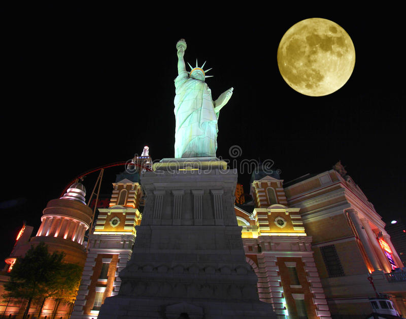 Ein Vollmond über New York - New York stockfoto