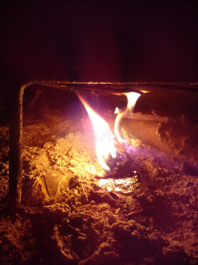 Ein wenig Feuer stockbild