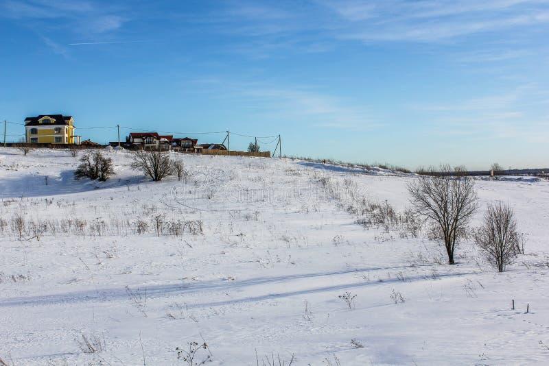 Ein Wintertag in der Leningrad-Region lizenzfreies stockfoto