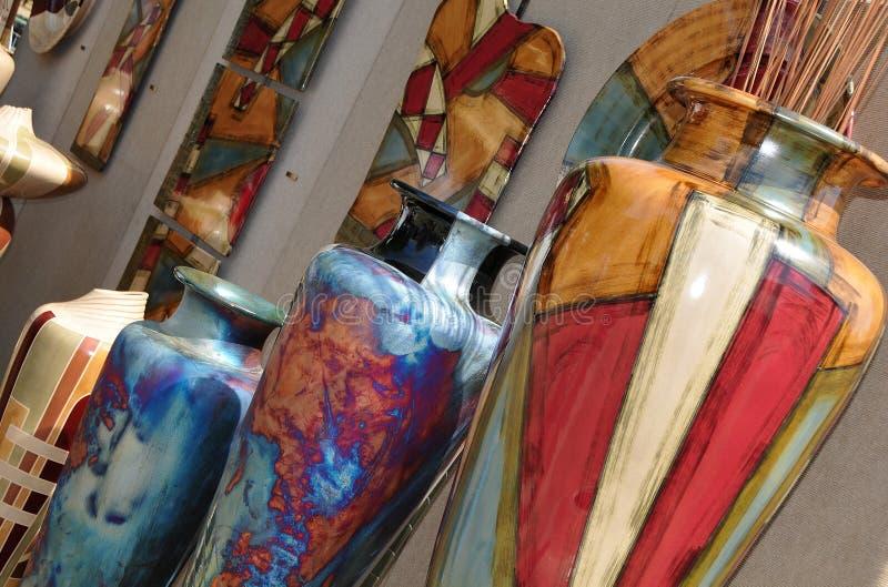 Eindeutige Handcrafted Vasen stockbilder