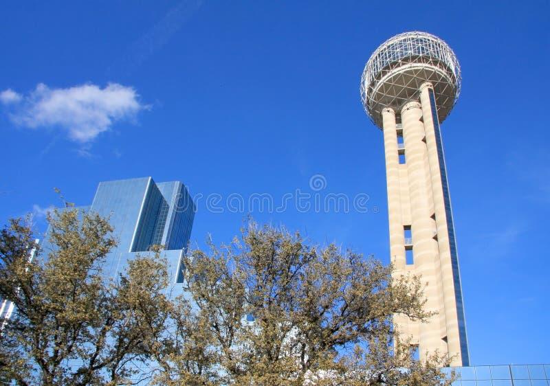 Eindeutiger Wiedervereinigung-Kontrollturm in Dallas lizenzfreie stockbilder