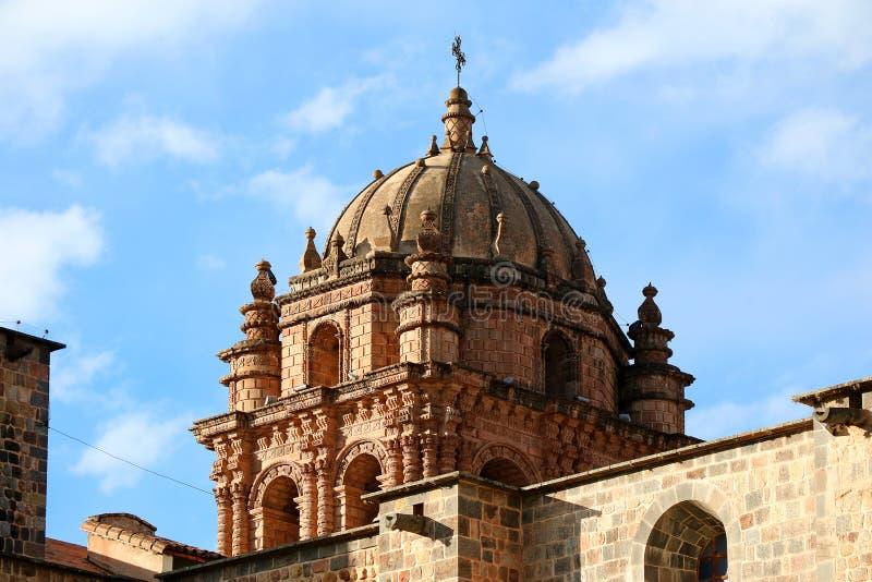 Eindrucksvoller Glockenturm von Santo Domingo Church Built auf der Struktur von Coricancha-Tempel, Cusco, Peru, Südamerika lizenzfreie stockfotos