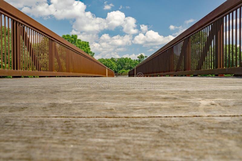 Eine abstrakte Ansicht einer Brücke stockfotos