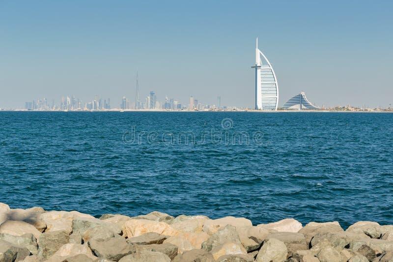 Eine allgemeine Ansicht des ersten Luxushotels Burj Al Arab den mit sieben Sternen der Welt lizenzfreie stockbilder
