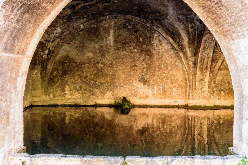 Eine alte allgemeine Quelle der Stadt von Siena lizenzfreies stockfoto