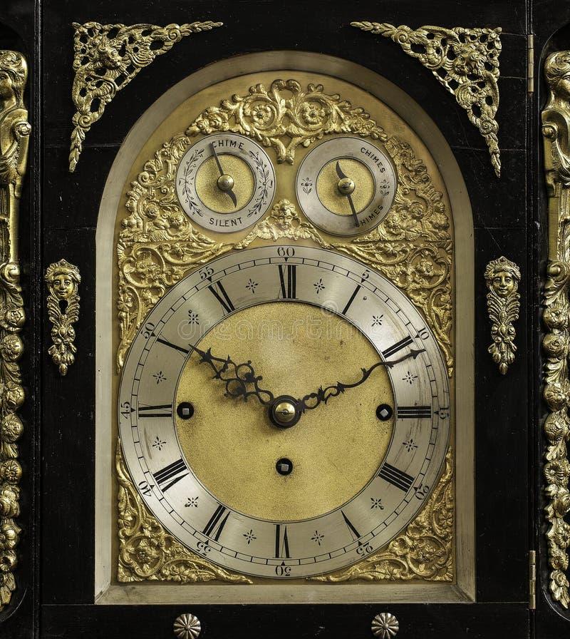 Eine alte Borduhr stockfotos