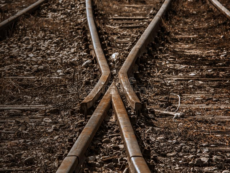 Eine alte geschlossene Bahnlinie stockbild