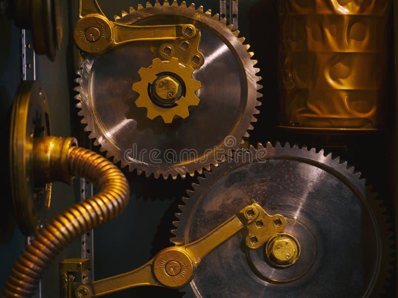 Eine alte Weinlesewand mit Mechanismen in der steampunk Art lizenzfreies stockfoto