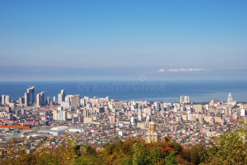 Eine Ansicht der Stadt an der Seeseite lizenzfreie stockfotos