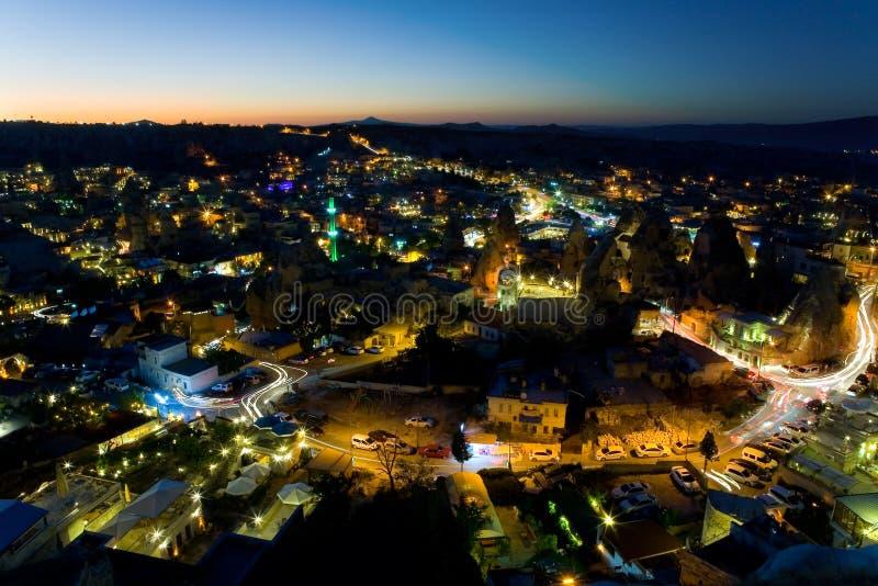 Eine Ansicht der Stadt von Goreme am Abend stockbild