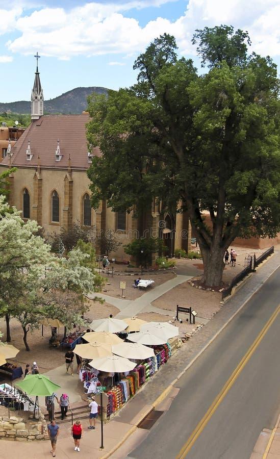 Eine Ansicht von Straßenhändlern nahe Loretto-Kapelle lizenzfreies stockfoto