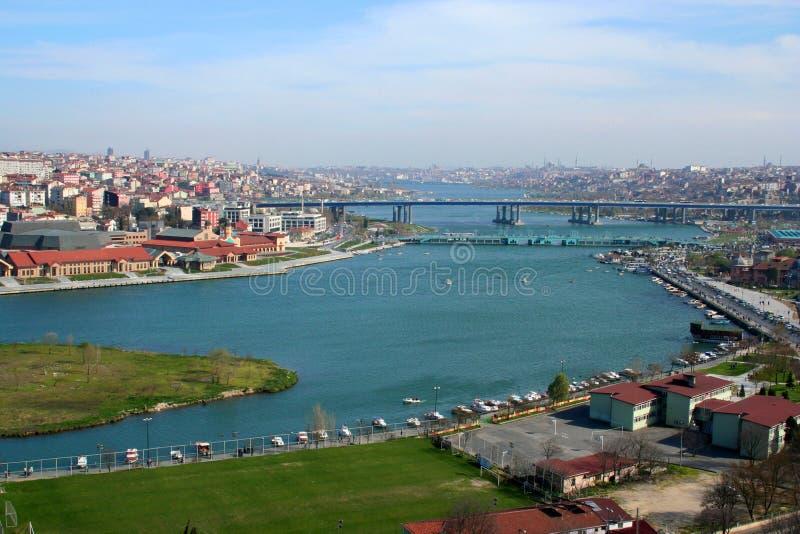 Eine Ansicht zur goldenen Hupe Istanbul lizenzfreies stockbild