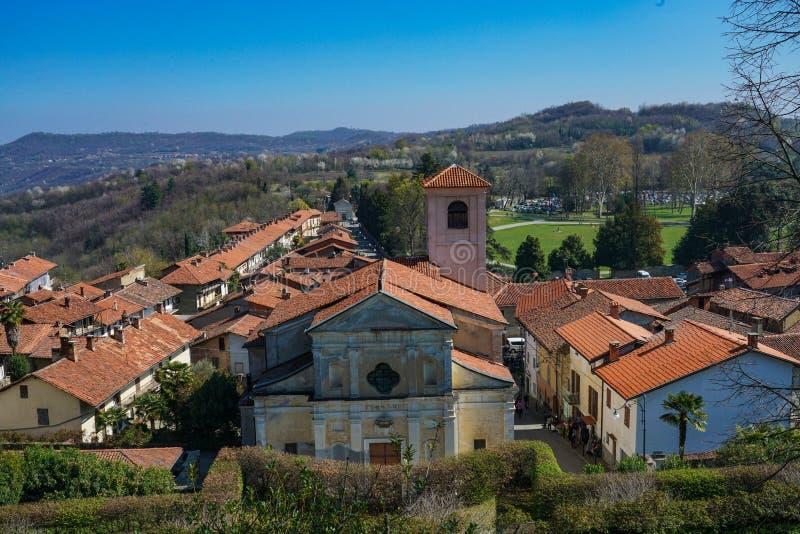 Eine ausgezeichnete Ansicht des Schlosses von Masino lizenzfreies stockbild