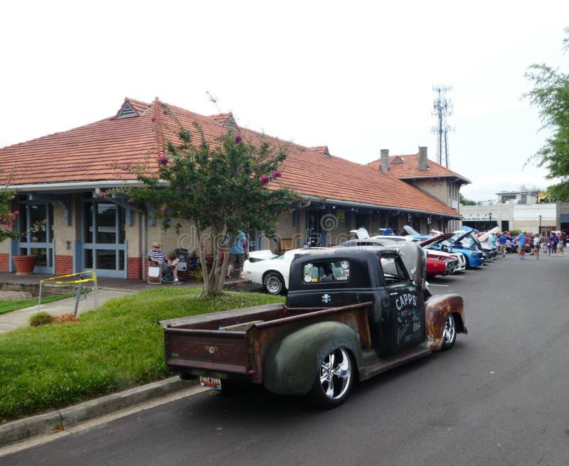 Eine Autoshow am Sonntag in im Stadtzentrum gelegenem Greer Sc USA stockfotos