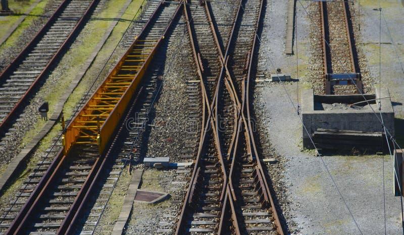 Eine Bahn, eine Rampe, ein Schalter und ein Block lizenzfreie stockbilder