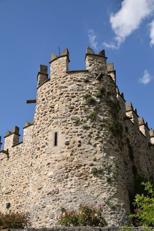 Eine Bastion des mittelalterlichen Schlosses von Passirano in Lombardei - Italien stockfoto
