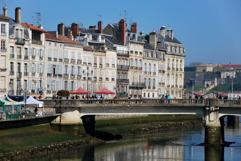 Eine Brücke in Bayonne stockfotografie
