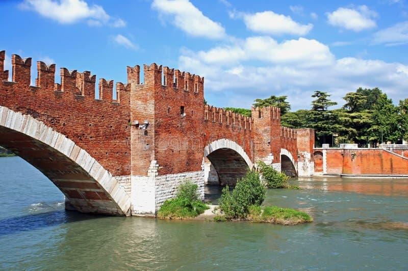 Eine Brücke in Verona stockbilder
