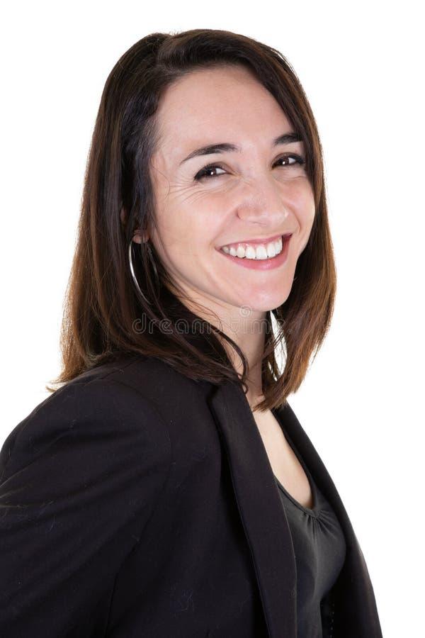 Eine brunette Frau des hübschen reizenden Porträts auf weißem Hintergrund lizenzfreies stockbild