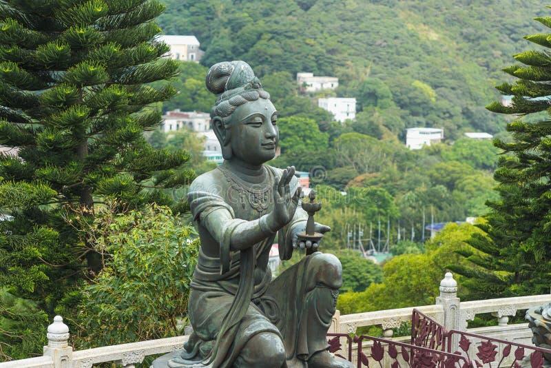 Eine buddhistische Statuenmacherei bietet dem Tian Tan Buddha den Big Buddha in Lantau, Hongkong lizenzfreie stockfotografie