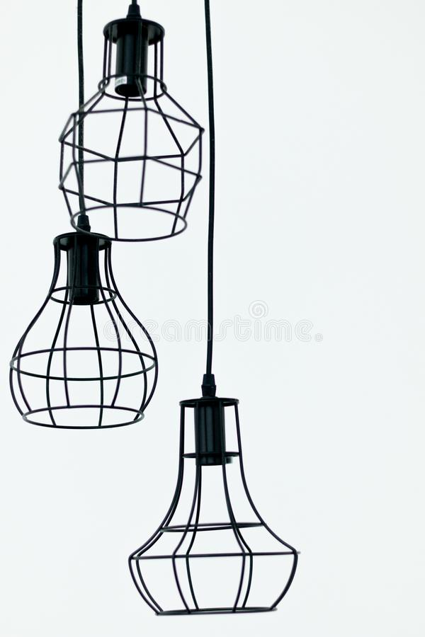 Eine elektrische Lampe ist moderner und Weinlesegegenstandinnenraum verzieren Sie auf weißem Hintergrund lizenzfreie stockbilder