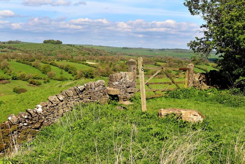 Eine englische ländliche Landschaft im Höchstbezirk lizenzfreie stockbilder