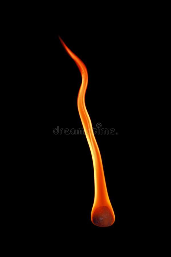 eine Feuerkugel lokalisiert auf Schwarzem stockfoto