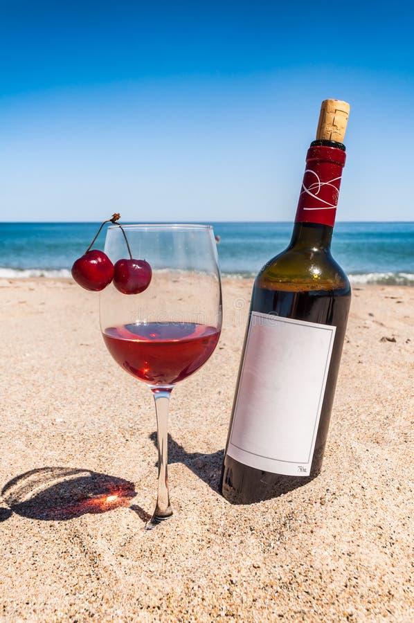 Eine Flasche Wein Am Abend