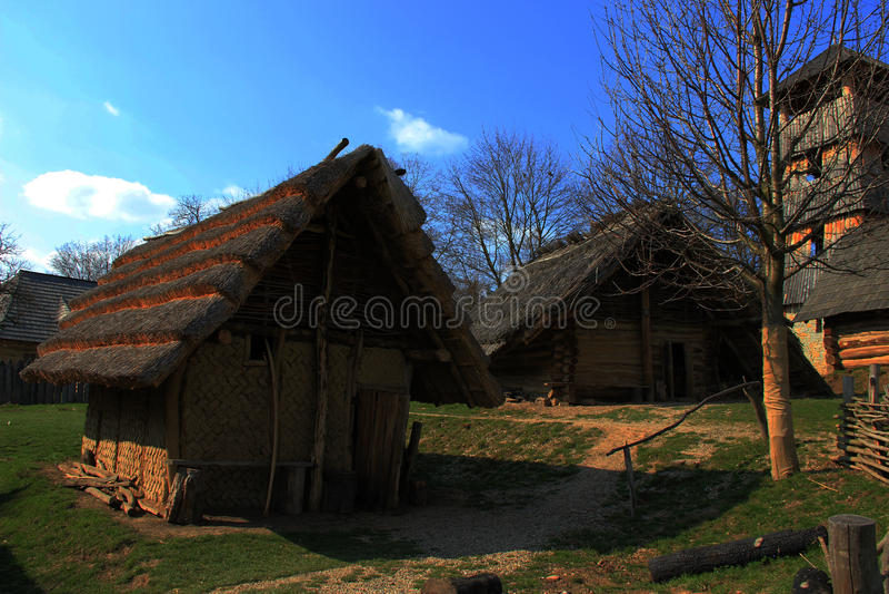 Eine Fotografie eines alten Dorfs stockbilder