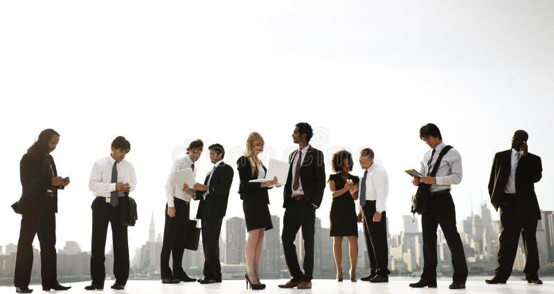 Eine Gruppe Büro-New- YorkBüroangestellte draußen stockfoto