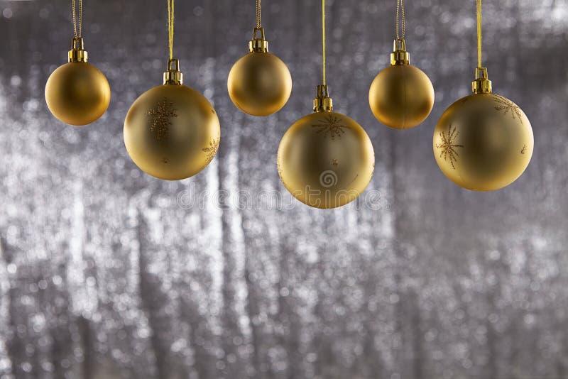 Eine Gruppe des Weihnachtsballs stockfotos