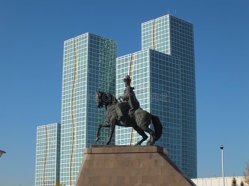 Eine Gruppe von Türmen in Astana/in Kasachstan lizenzfreie stockbilder
