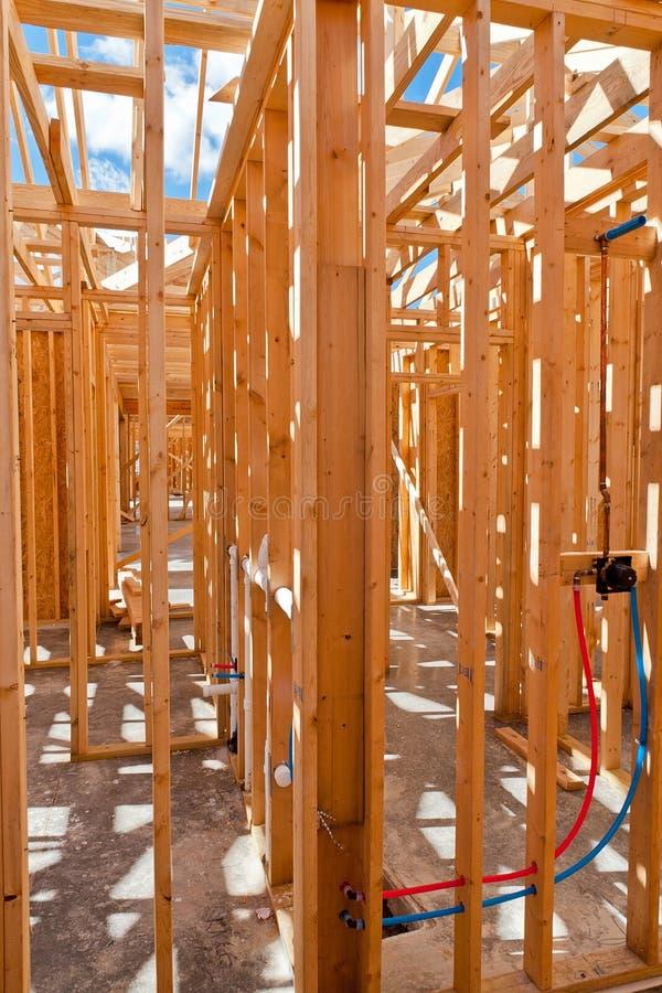Eine Innenansicht von einem neuen Haupt im Bau mit herausgestelltem w stockbild