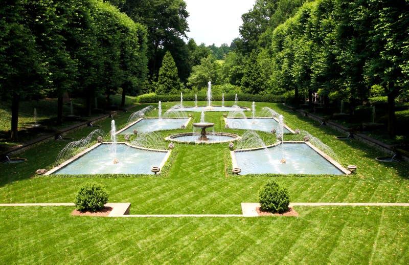 Eine italienische Gartenauslegung in einem botanischen Garten lizenzfreies stockbild