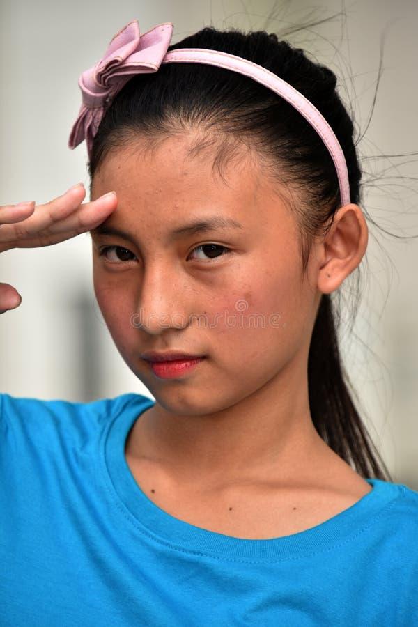 Eine Jugendlich-Mädchen-Begrüßung lizenzfreie stockfotografie