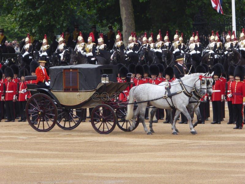 Eine königliche Kutsche an sich sammeln die Farbe, London lizenzfreie stockfotografie