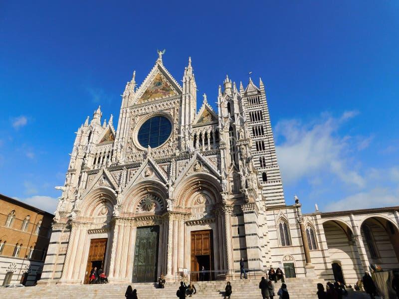 Eine Kirche in Siena, Italien lizenzfreie stockfotografie