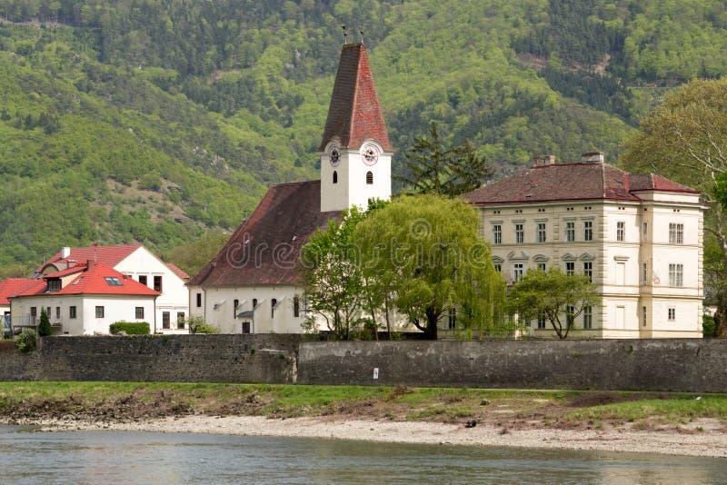 eine malerische Stadt im Wachau-Tal lizenzfreies stockbild