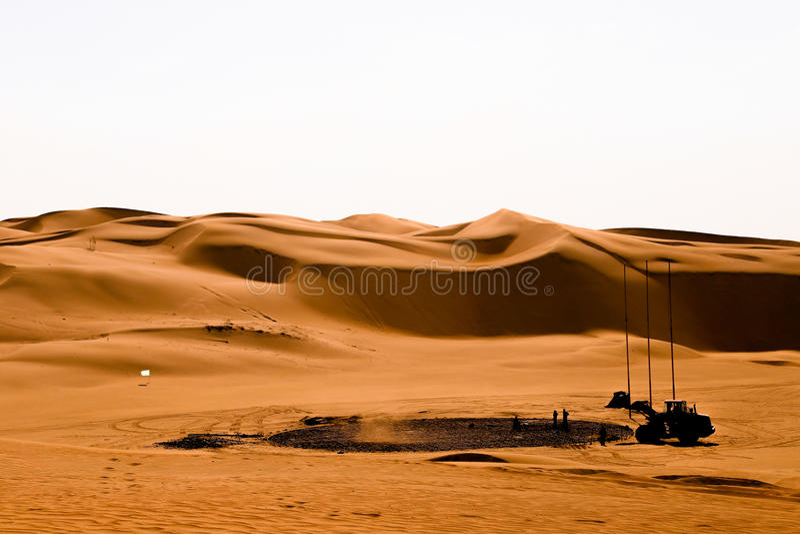 Eine Maschine in der Wüste lizenzfreie stockbilder