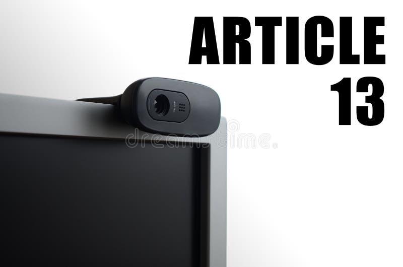 Eine moderne Web-Kamera auf Monitor- und Artikel13 Aufschrift lizenzfreies stockbild