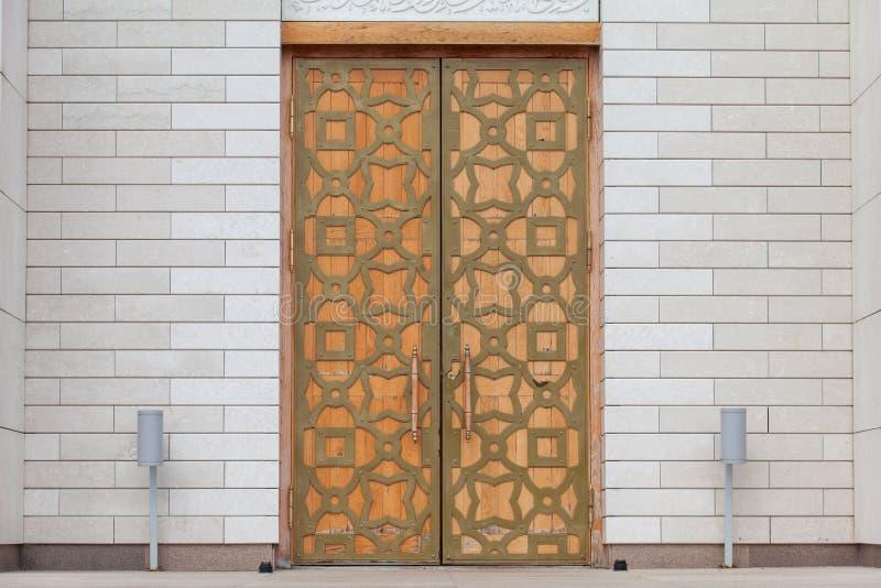 Eine Moscheentür verziert in der arabischen Art in Bolgar, Tatarstan lizenzfreie stockfotos
