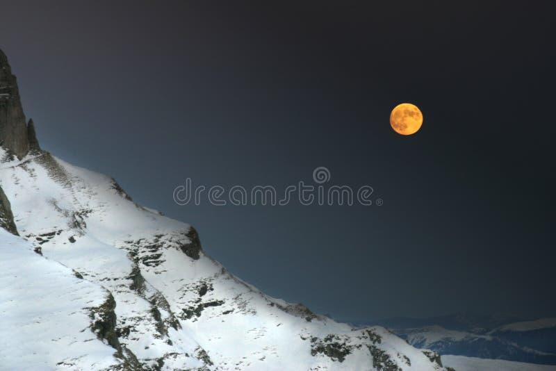 Eine Nacht in den Bergen stockbild